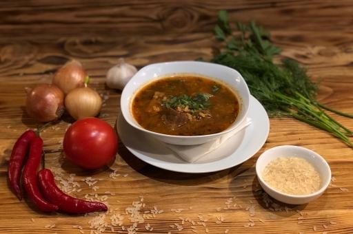 Суп Харчо (с говядиной и рисом)